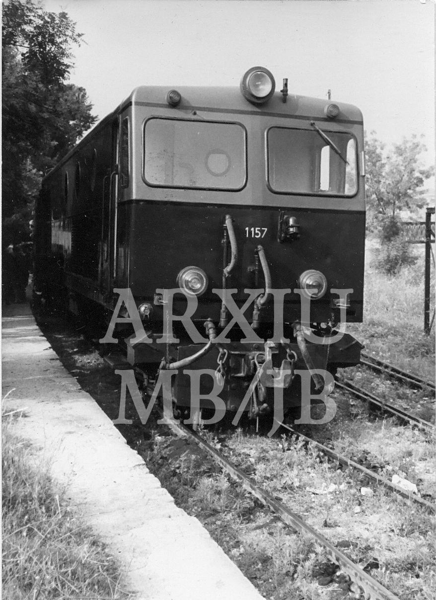 30.11.-0001 Tren de vía estreta.  Madrid -  Miquel Bibià