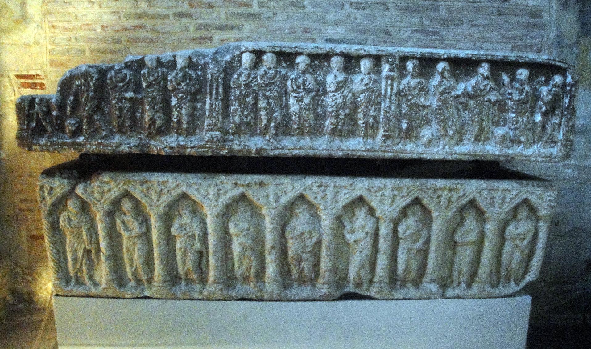 02.07.2013 Sarcòfag de Guillem Tallaferro a l'interior de Sant Serni.  Tolosa del Llenguadoc. -  Jordi Bibià