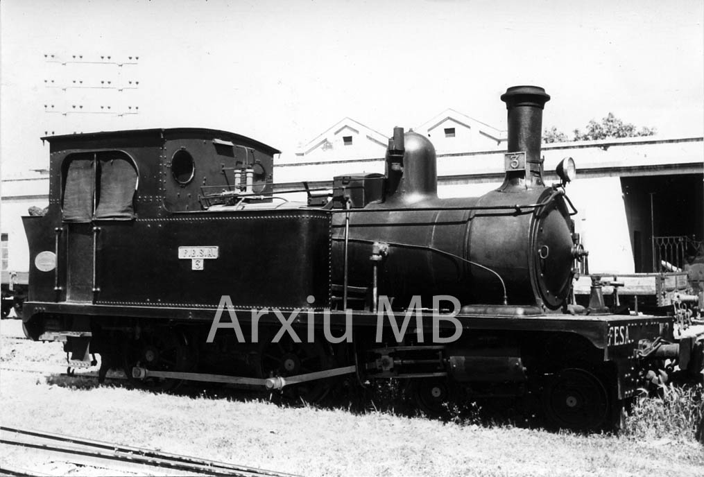 30.11.-0001 Locomotora de Lo trenet de Tortosa.  -  Miquel Bibià