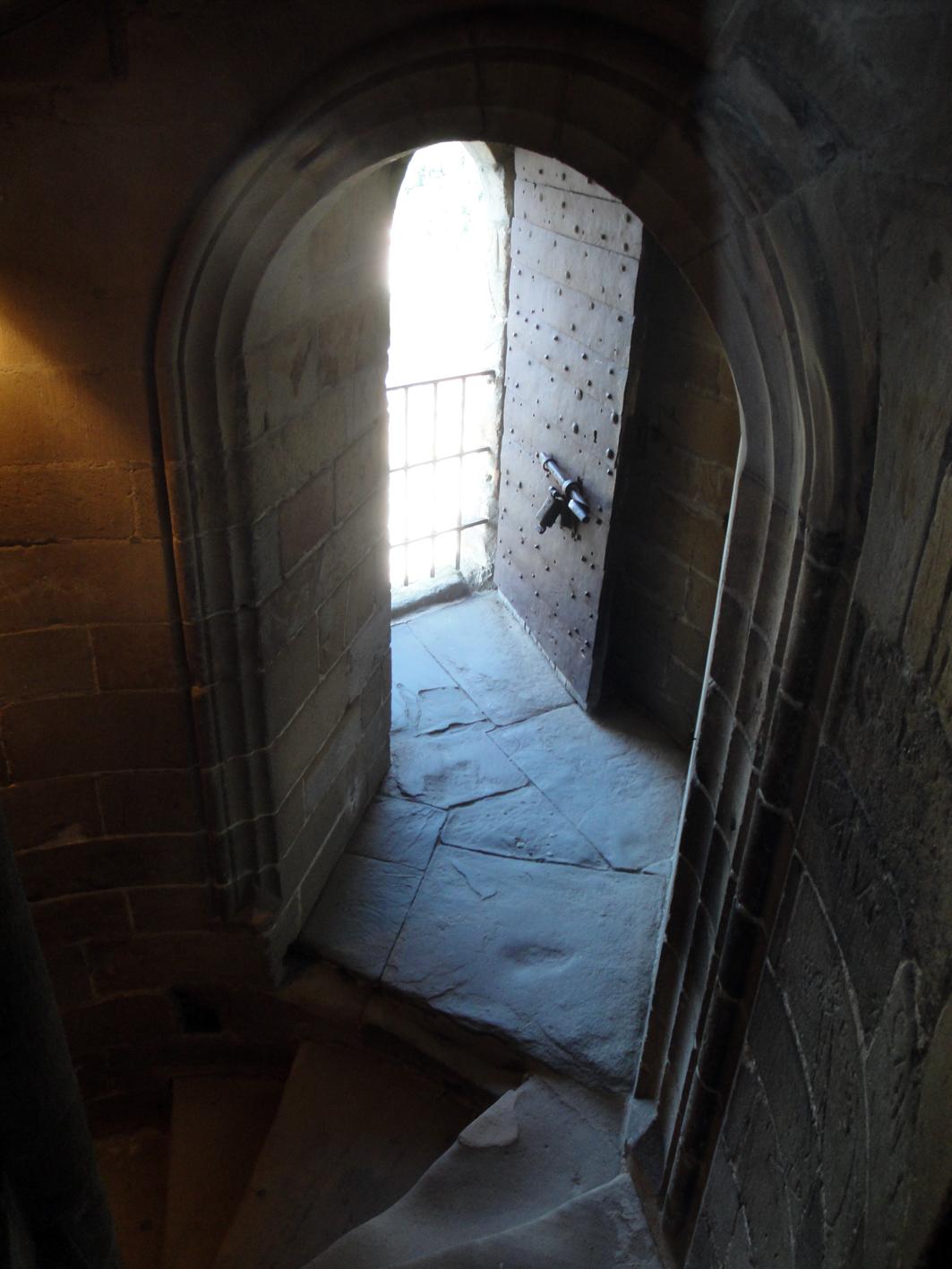 29.07.2018 Accès principal a una de les torres.  Castell de Foix. -  Jordi Bibià
