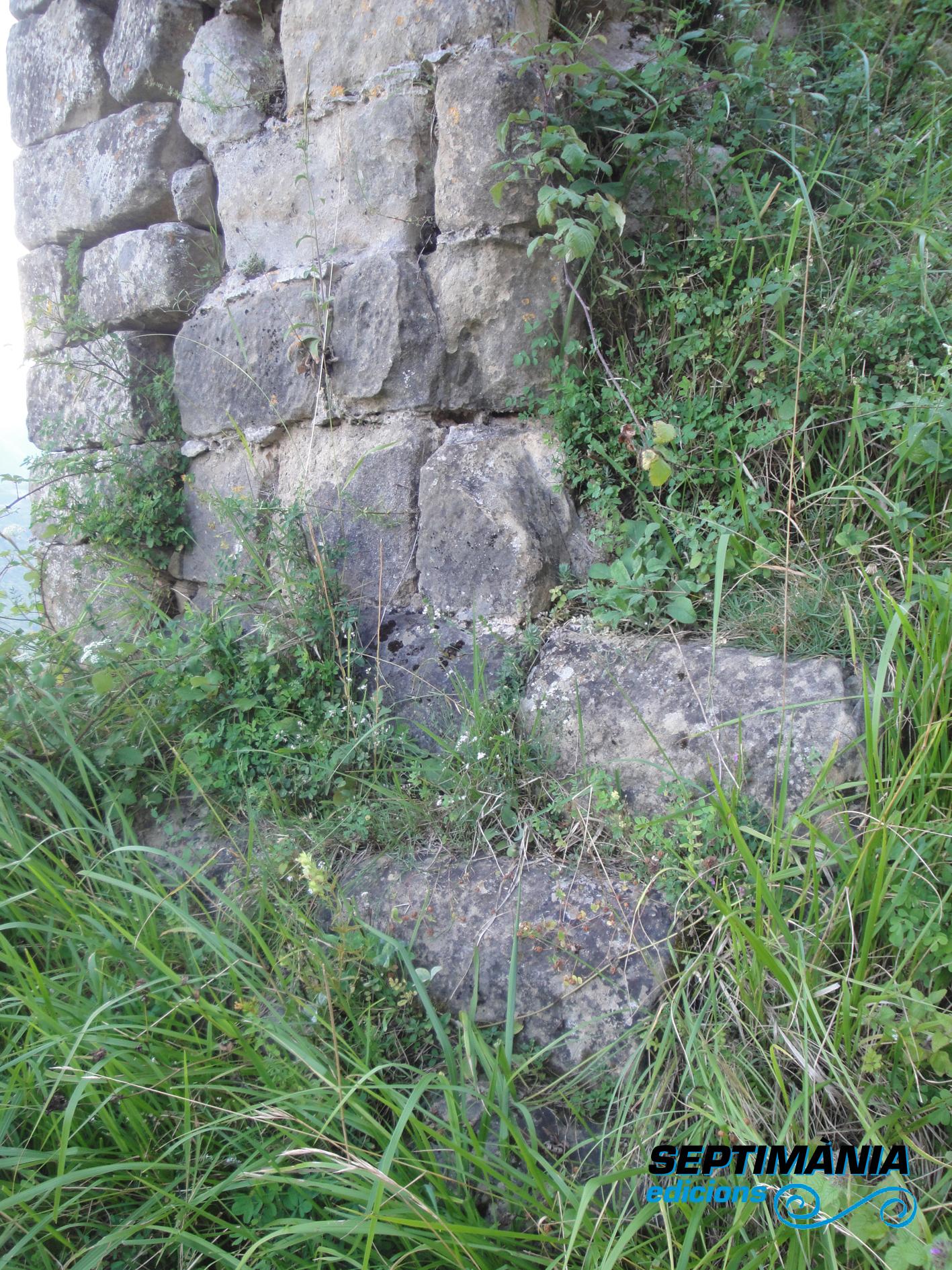 02.08.2018 Part inferior, blocs de pedra escolpits.  Rocafixada -  Jordi Bibià