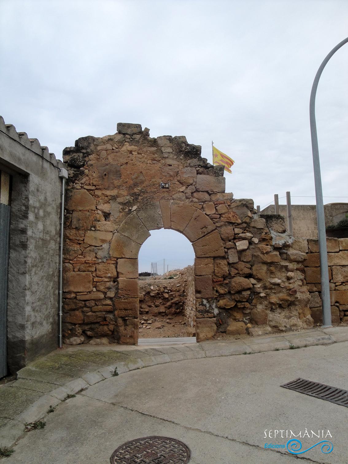 22.04.2019 Undels antics accesos al castell.  La Granadella. -  Jordi Bibià