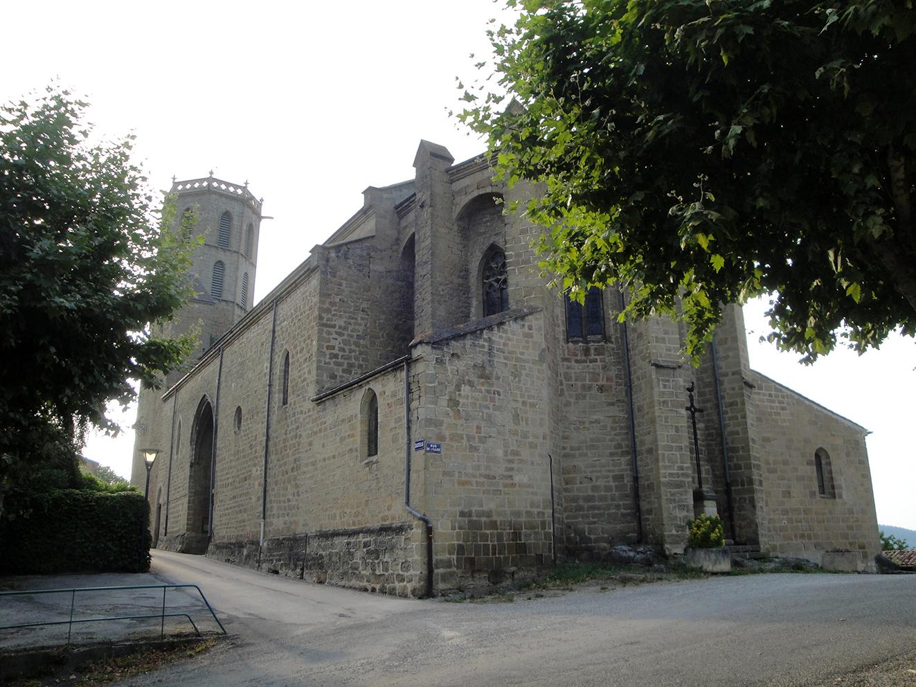 12.08.2019 L'àbsida ens indica la part de l'entrada a l'antic Mercadal.  -  Jordi Bibià