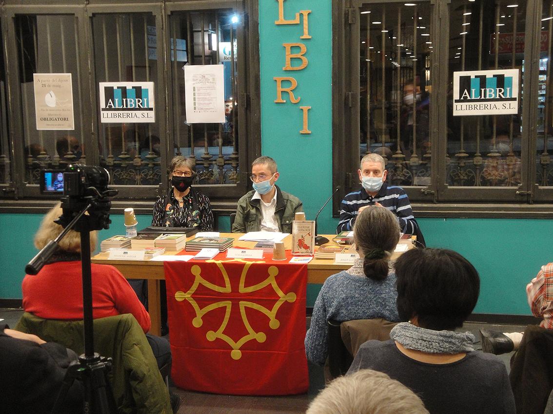 25.02.2021 De dreta a esquerra: Núria Comas (Presidenta del CAOC), Francesc Sangar i Jospe Lluís Soler  -  Autor